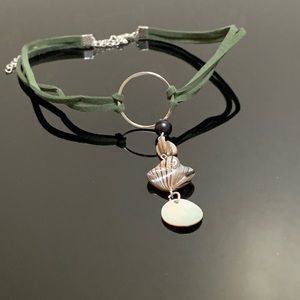 ARTISAN MADE Army green suede shell choker